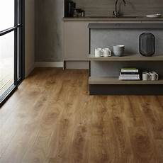 Step Livyn Oak Vinyl Flooring 2 10sq M Howdens