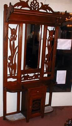 garderobe antik jugendstil jugendstil garderobe antik archiv antiquit 228 ten diese ansehnliche garderobe ist aus massivem