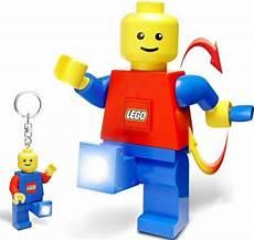 photo de lego le bonhomme lego est une lumi 232 re ubergizmo