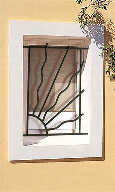 grilles protection fenetres fer forgé grilles de porte avec 4cad5bc4 4750 468e 89c8 ebb1965452d2