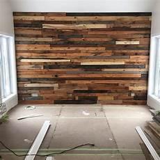 deco mur en bois planche diy mur de planche de palette wood en 2019 murs de