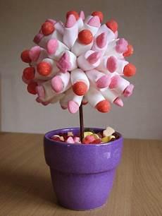 idee deco bonbon pour anniversaire arbre bonbon 01 anniversaire bonbon and