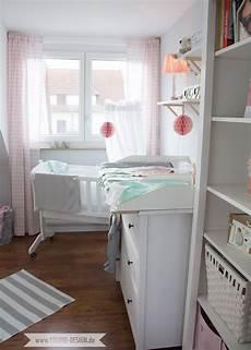 Ein Skandinavisches Kinderzimmer Und Ein Wickelaufsatz F 252 R