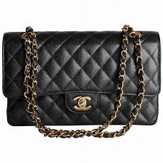 Coco Chanel Tasche - chanel 2 55 caviar medium classic flap bag black