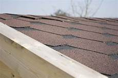 couverture goudron pour toiture shingle vs rouleau bitum 233 choisir le meilleur rev 234 tement