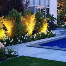 éclairage de jardin eclairage piscine et jardin