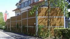 Sicht Und Schallschutz Im Garten - l 228 rmschutzw 228 nde f 252 r hohen schallschutz heras deutschland