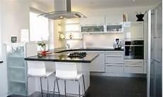 küchen mit theke wei 223 e k 252 che mit theke interior design k 252 chen design k 252 che und haus k 252 chen
