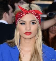 bandana cheveux femme coiffures avec bandana