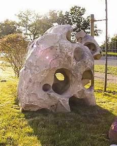 steinkunst im garten skulpturen steinskulptur skuplturale kunst garten natur skulptur