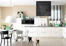 küche farbig gestalten tafelfarbe kreidezeit zu hause living at home