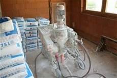 putz für feuchte wände putzmaschine mit mp 40 innenputz knauf