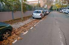 R 417 11 Stationnement Tr 232 S G 234 Nant Sur Un Trottoir