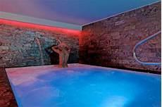 Denis Le Bubbles Sauna Club Entre D 233 Tente Et