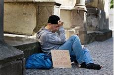 ich suche arbeit a homeless person looking for new work unemployed beggars