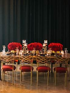 luxurious red and gold wedding table decor for weddings