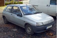 Renault Clio 1 6 1992 Auto Images And Specification
