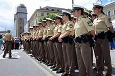 Ausbildung Polizei Bayern - 70 jahre bayerische polizei feiern sie mit