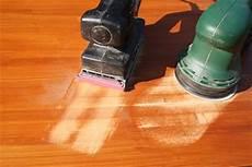 Holzboden Abschleifen Mit Schwingschleifer - holz abschleifen mit exzenterschleifer schleifmaschinen