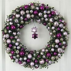 türkranz weihnachten kugeln kugelkranz weihnachtskranz lila 36cm t 252 rkranz weihnachten