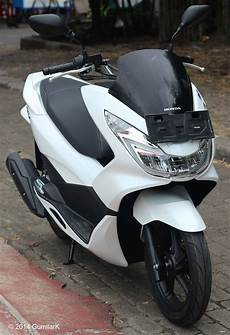 Variasi Pcx New by Gambar Honda Pcx 2019 Hitam Modifikasi Sobotomotif