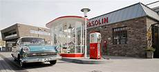 klassik garage bad frauen geben gas central garage automuseum