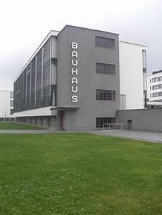 edificio de la bauhaus de walter gropius bauhaus
