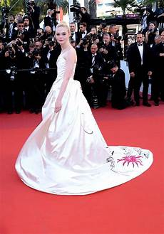 Filmfestspiele Cannes 2017 - fanning cannes festival 2017 best looks vogue