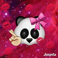 Lock Screen Emoji Panda Wallpaper