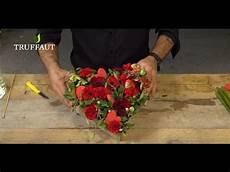 Floral Une Composition Florale En Forme De Coeur