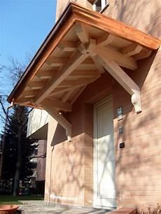tettoie per porte tettoia copri porta a sbalzo a tre falde linea classica
