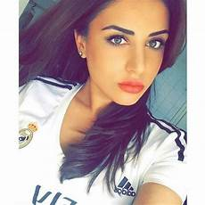 Gil Instagram - football club instagram selfie football shirt
