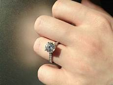 show off your 2 carat engagement rings