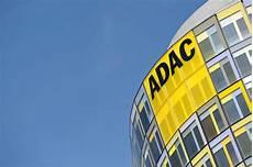 adac diesel klage gericht erlaubt adac werbung mit polizeiauto vereine clubs