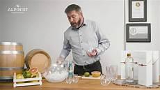 Wie Trinkt Gin Pur Auf Eis In Kombinationen