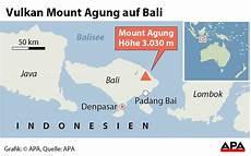 Vulkan Auf Bali Fast 50 000 Menschen Auf Der Flucht