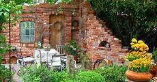 Ziermauer Im Garten - gartendeko ruinenmauern