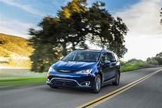 Chrysler Pacifica Le Monospace Hybride Rechargeable