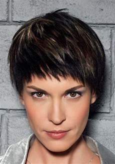 cheveux avec frange coupe de cheveux courte avec frange