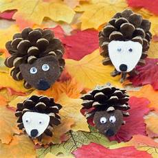 Basteln Mit Tannenzapfen Kindergarten - 18 diy fall crafts suitable for homesthetics