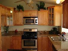 Kitchen Decorating Ideas With Maple Cabinets by Cinnamon Maple Kitchen Cabinets Design Kitchen Cabinets