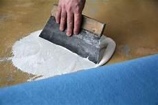 teppich auf teppich verlegen teppichboden richtig verlegen so gehts