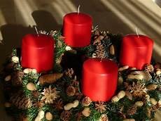 Adventskranz Bedeutung 4 Kerzen - adventskranz geschichte und bedeutung des adventsbrauch