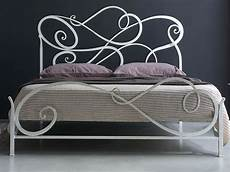 lit blanc fer forgé mobilier table lit fer forge blanc