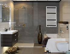 bad modern bad en naast elkaar quot kleine badkamer quot
