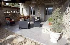 cout beton ciré prix d un b 233 ton cir 233 co 251 t moyen tarif pose guide