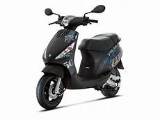 zip 50 2t serie speciale scooters 2000