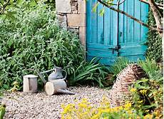 4 astuces pour un beau jardin sans entretien d 233 tente jardin