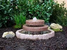 kaskadenbrunnen springbrunnen brunnen wasserspiel werksand