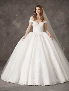 unbelievable fairytale princess wedding dress pronovias